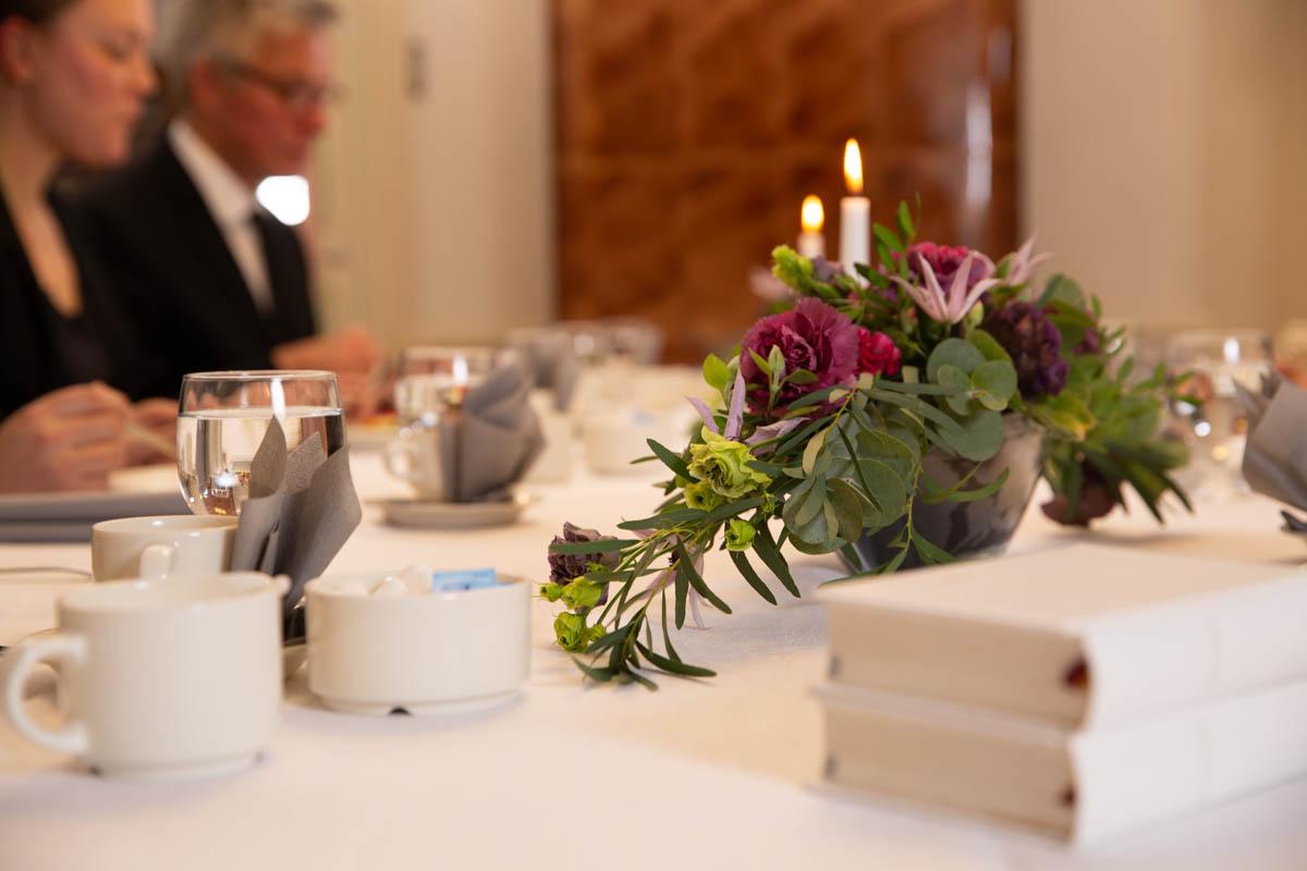 hautajaisten kahvipöytä